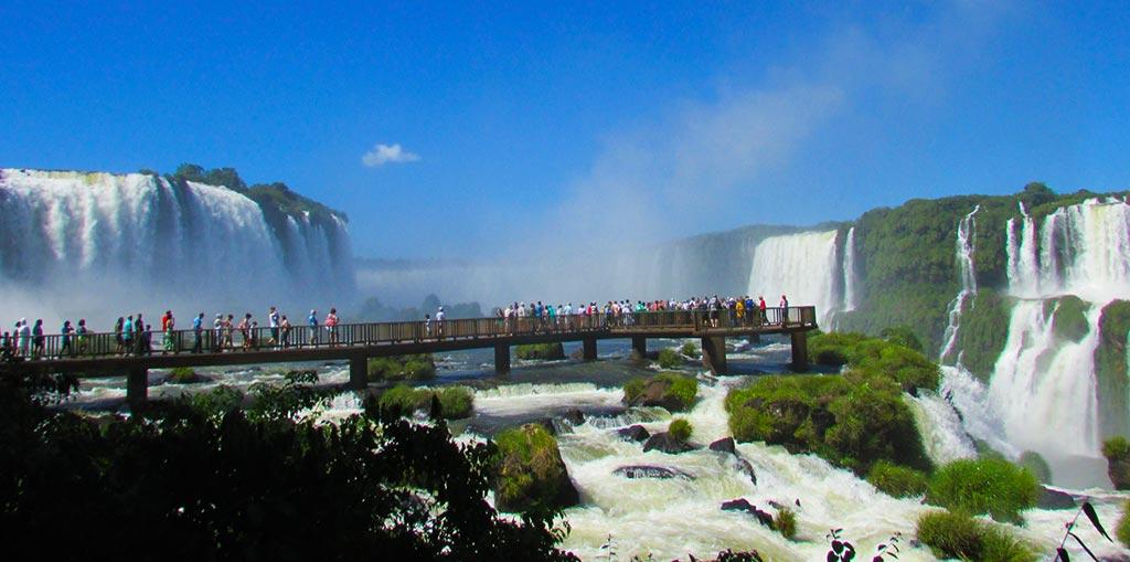 Excursão para Espetaculares Cataratas de Foz do Iguaçu PR
