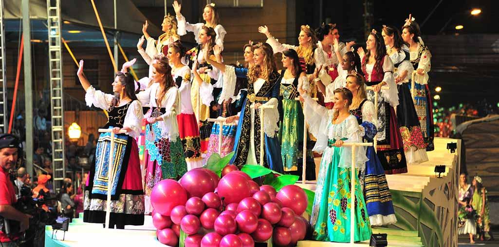 Excursão para Carnaval com Festa da Uva em Caxias do Sul