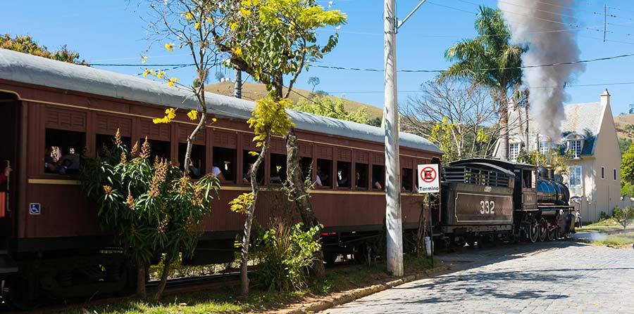 Excursão para Férias de Janeiro em Passa Quatro MG