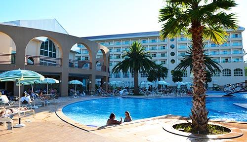 Piscina do Hotel Mira Serra