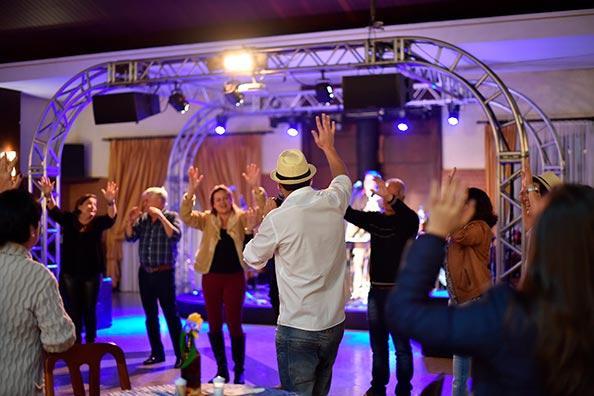 Baile Música ao Vivo no Recanto