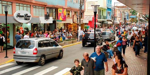 Shopping a céu aberto em Serra Negra SP