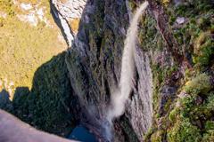 Vista de cima da Cachoeira da Fumaça